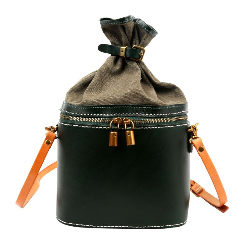 フォレッセンス メンズ ボディバッグ・ウエストポーチ バッグ Amalfi Mini Bucket Crossbody Green