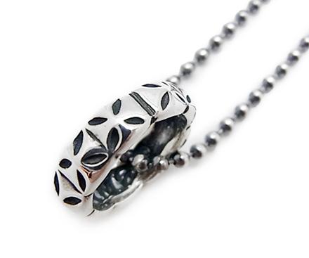 【BWL ビルウォールレザー】チャーム/C362-Small Gothic Cross.C362-BWL Logo Baby Ring (Small Gothic Cross BWL Logo) !REAL DEAL