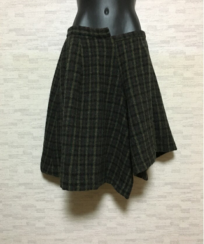 TOGA【トーガ】ウールチェック変形ハーフパンツSダークグリーン【中古】