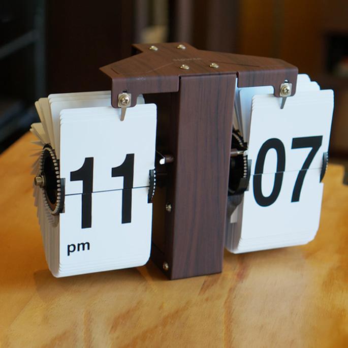 置き時計 フリップクロックルフトウッド FLIP CLOCK LUFT WOOD 壁掛け おしゃれ 時計 北欧 シンプル レトロ カジュアル 西海岸 ウォールナット パネル モダン パタパタクロック 置き掛け兼用時計【送料無料】