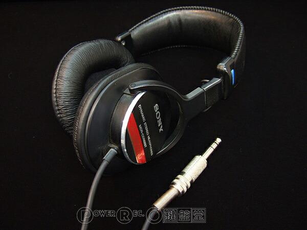 日本のスタジオ定番 完全業務仕様プロフェッショナル レコーディングヘッドフォン SONY MDR-CD900ST 土 祝 当店は最高な サービスを提供します 日 あす楽対応 海外並行輸入正規品 発送対応