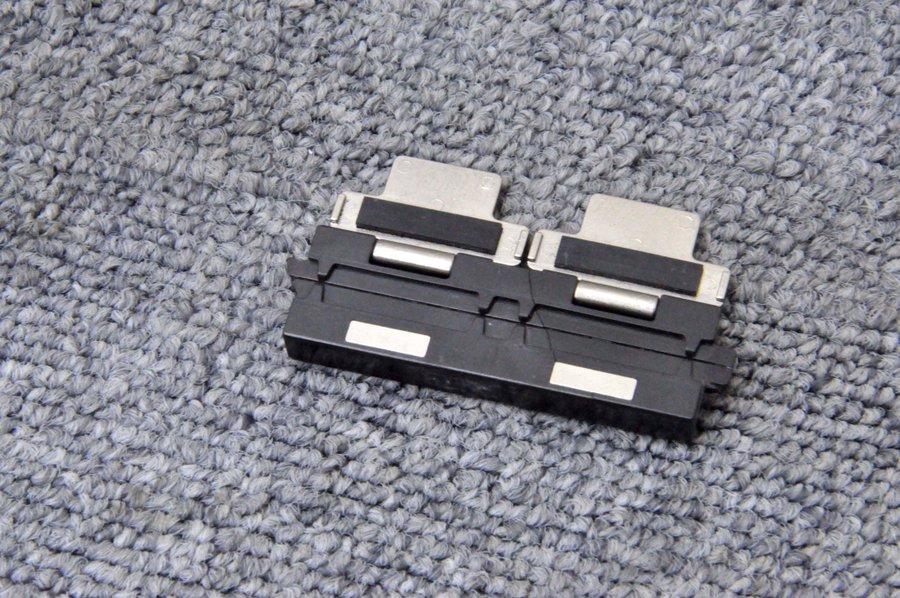 単心線用■光ファイバ融着接続機 FSM-16R,30Rに使用可能■融着機 FH-250■0.25mm 【中古】 フジクラ ファイバホルダ Fujikura/