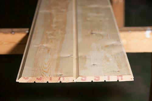 レッドパインログパネル 幅156mm長さ3900mm 無塗装 AB 内装用壁材 羽目板だけでなく外壁材としても使用可能 おすすめ DIY 無垢材 パイン材 天井材/壁/内壁/外壁/羽目板/SODORA社製/スウェーデンパイン/ログウォール/壁材/壁板/木材/板/幅広