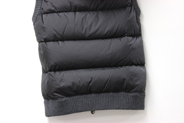 MONCLER MONCLER MAGLIONE TRICOT GILET mens knit transition hooded vest L grey brand new as well as used KK's