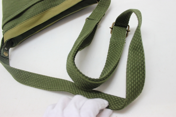 sasicco Sacco 三河棉染色织物小挎包橄榄美容产品使用 KK