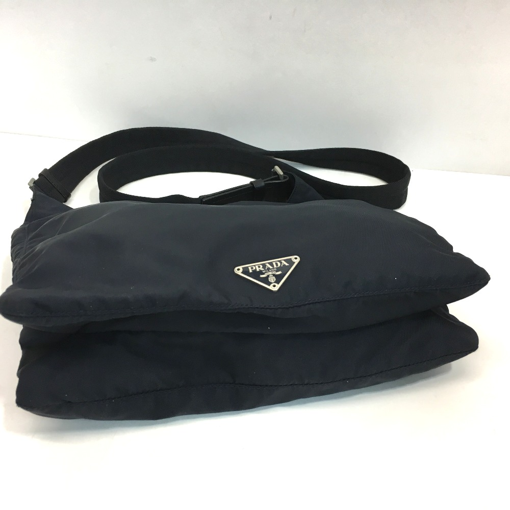 AUTHENTIC PRADA Logo plate Crossbody Shoulder Bag Shoulder Bag Navy Nylon 94e4218ec2246