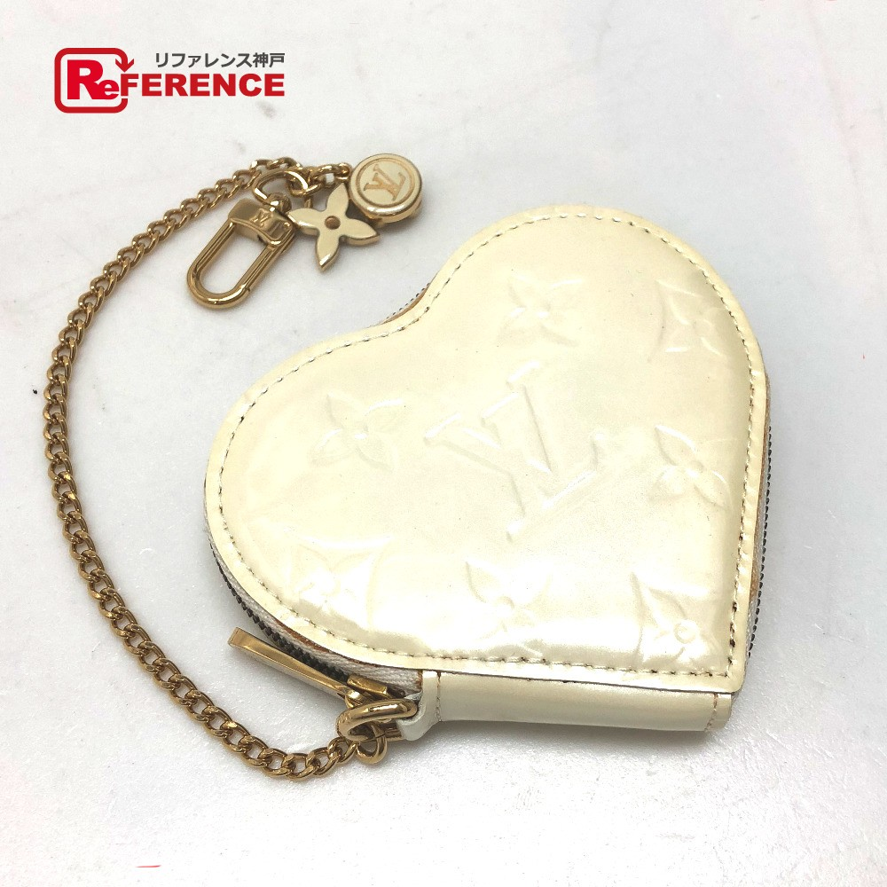 34117dcd7bb5 AUTHENTIC LOUIS VUITTON Monogram-Vernis Porte Monet - Cool Heart type coin  purse coin purse White Patent Leather M91918