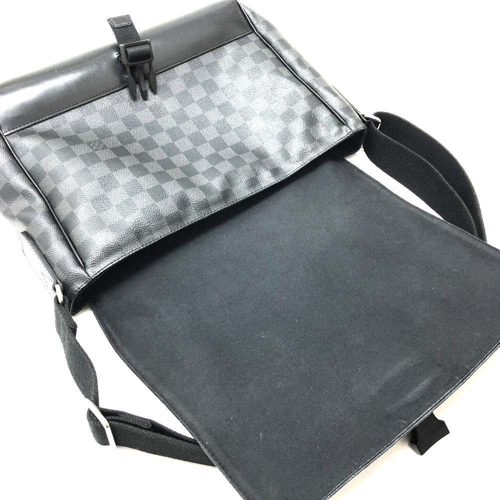 1cd578c7f2156 AUTHENTIC LOUIS VUITTON Damier-Graphite MessengerMM Messenger Bag Men s  Women s Shoulder Bag Black DamierGraphiteCanvas N41458