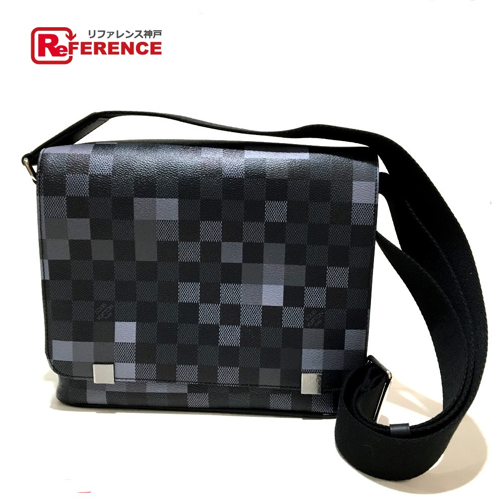 c1dc319131ee AUTHENTIC LOUIS VUITTON Damier-Graphite pixel District PM Messenger Bag  Shoulder Bag gray Damier-Graphite Canvas N40072