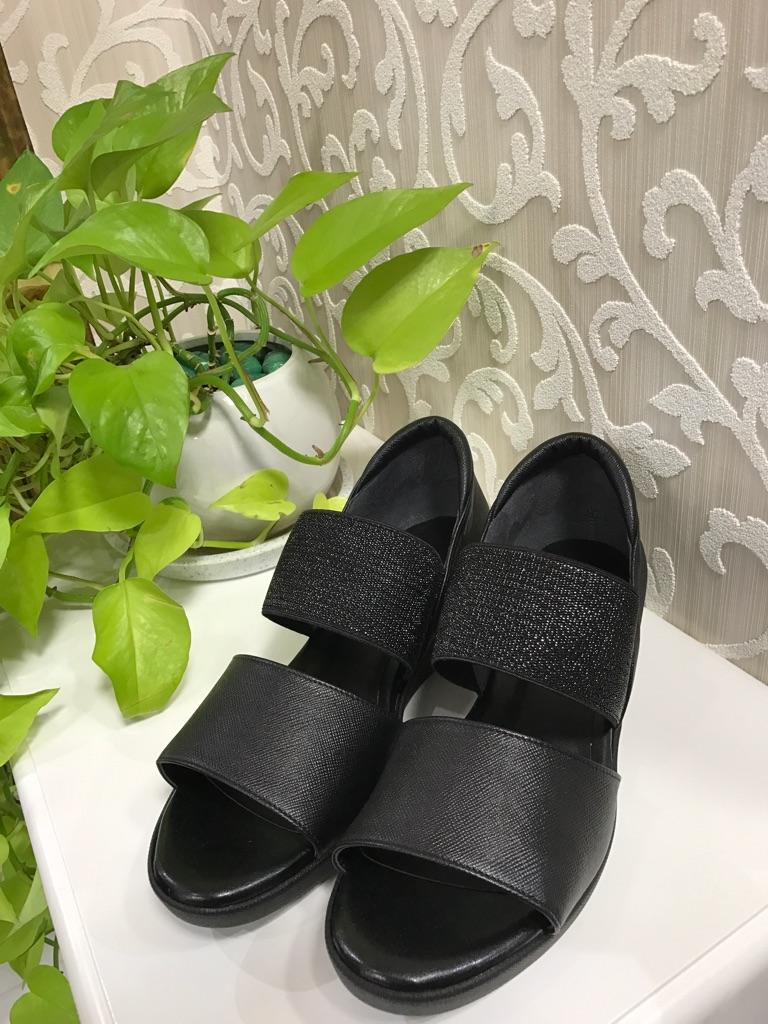 ミュール・シューズ『01-BK-TRANQUILLO』2017年大人気靴(1万以上のお買い上げで送料無料)ブラック(ラッピング無料)MADE IN JAPAN(クッション抜群)01-BK-TRANQUILLO