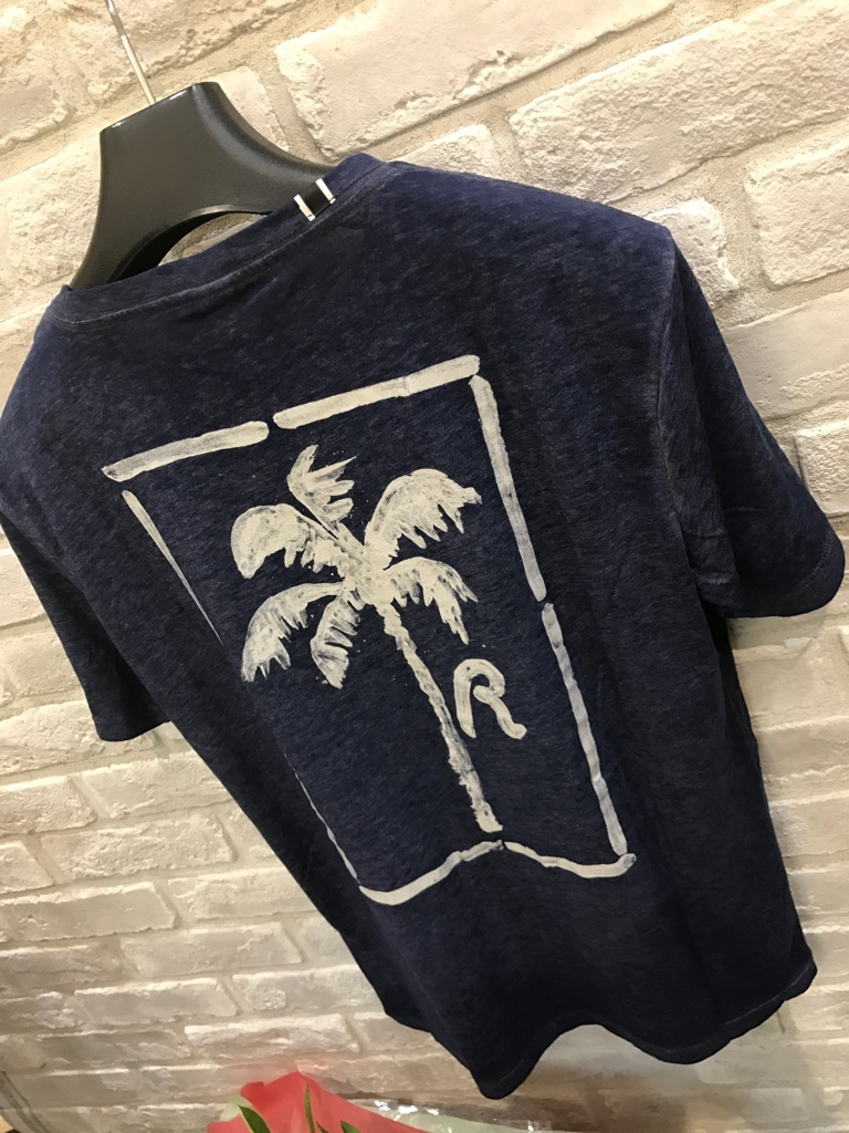 『REPLAY』半袖モク紺『バックプリント』(リプレイ)ホワイト大人気Tシャツ(1万以上のお買い上げで送料無料)(父の日ラッピング無料)M3529-000-22060-567-定価¥10000