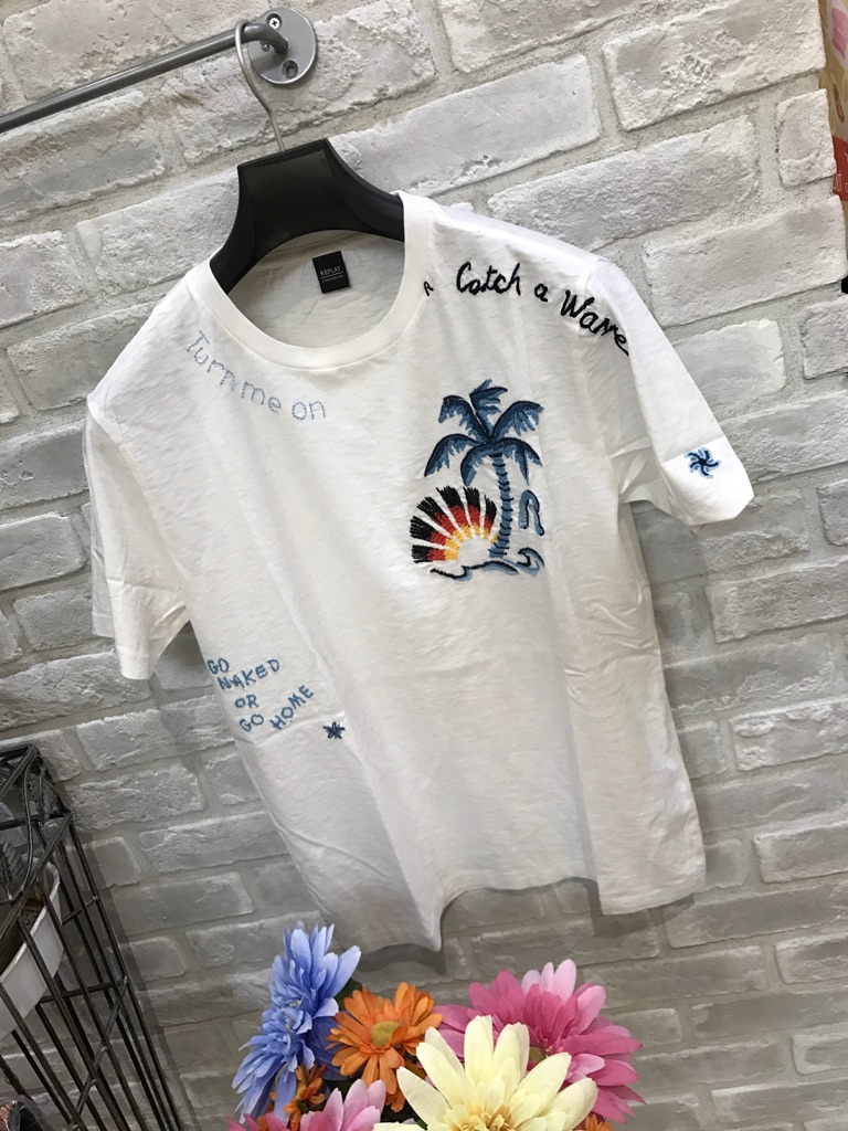 『REPLAY』半袖刺繍『リプレイ』ホワイト大人気Tシャツ(1万以上のお買い上げで送料無料)(父の日ラッピング無料)M3507-22336-011-16000定価¥16000
