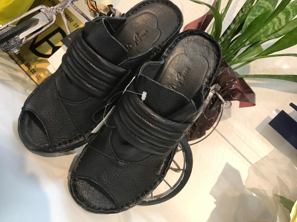 『サンダル』大人気靴(1万以上のお買い上げで送料無料)(ラッピング無料)ヒナデイグリーン Hina Day Green (ヒナ)97-4476-15000
