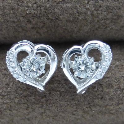 ダンシングストーン ダイヤモンド ハートピアス ダイヤモンド0.20ct×0.04ct ホワイトゴールド プラチナもご用意できます(69700円+税)