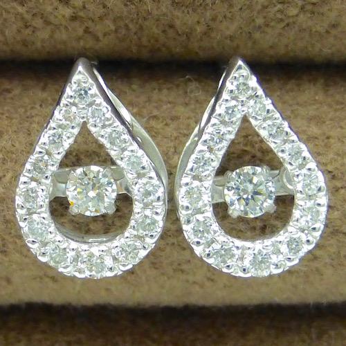 ダンシングストーン ダイヤモンド 揺れる 一粒 ホワイトゴールドピアス ダイヤモンド0.10ct×0.22ct×K18WG トゥインクルセッティング クロスフォー