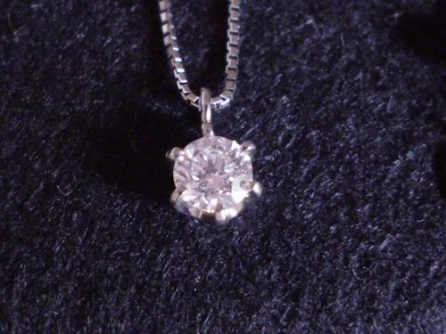 プラチナダイヤモンドネックレス Pt900ダイヤモンド0.305ct カラーF クラリティSI2 カットFair スタッド ソリテール ソリティア ティファニー爪 6本爪