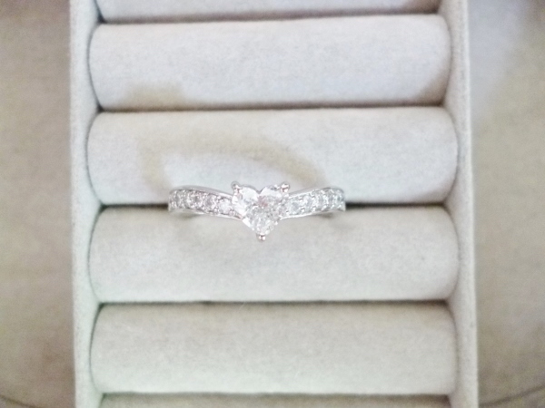 ハートシェイプ ダイヤモンドプラチナリング ダイヤモンド0.35ct I SI1 D0.20ct 指輪