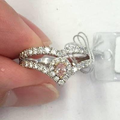 ファンシーオレンジピンクダイヤモンド0.126ct プラチナリング オーバルシェイプ