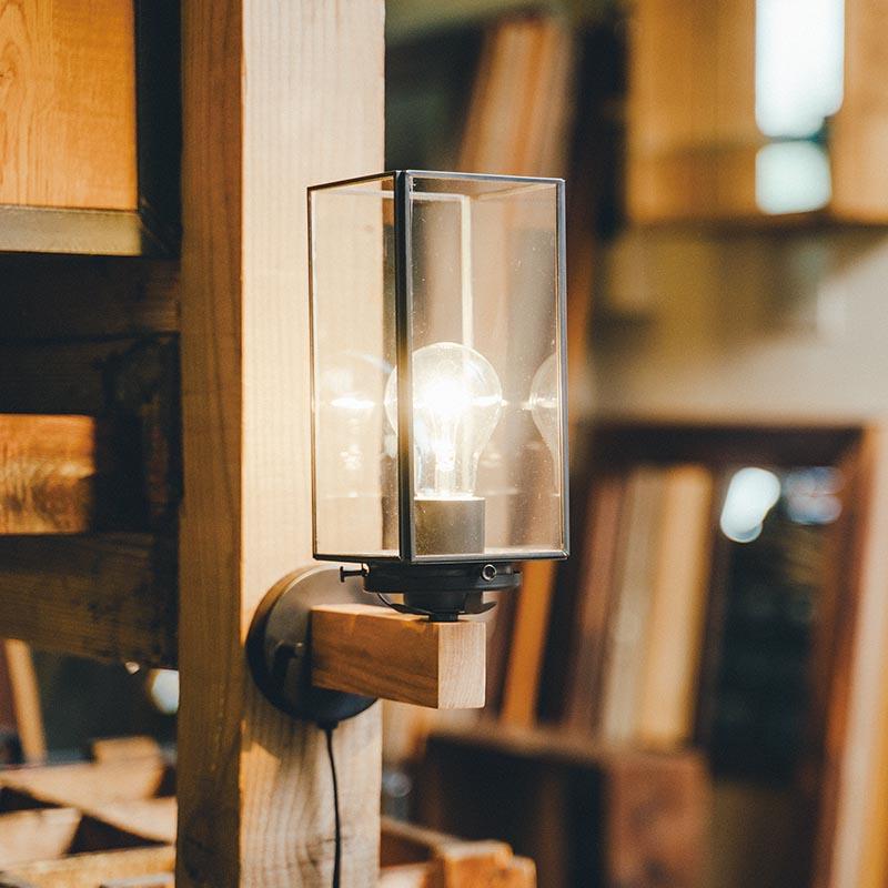 ヨーロッパの街灯のようなクラシカルな雰囲気のブラケットライト LINE限定クーポン配布中 ブラケットライト ブラケットランプ お買い得 口金E26 ライト 照明 ブランド 室内 壁掛け照明 おしゃれ 北欧 天壁 新色追加して再販 電球別売