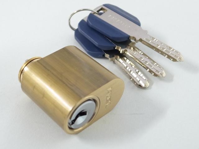 カバエーススカンジナビアンオーバルシリンダー ゴールド色3292 鍵3本付 国内在庫 玄関 ドア 扉 修理 パーツ 補修 激安特価品 交換 部品