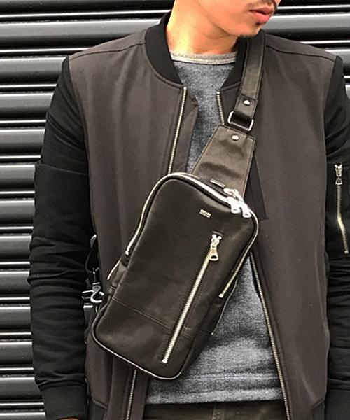【DECADE(ディケイド)】DCD-00961-Soft Horse Leather Body Bag バッグ