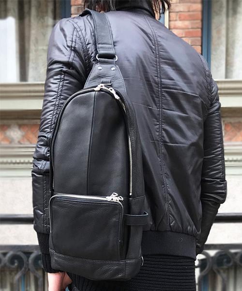 【DECADE(ディケイド)】【予約販売ご注文から1週間後出荷】Oiled Cow Leather Body Shoulder Bag ボディショルダーバッグ(DCD-00989)