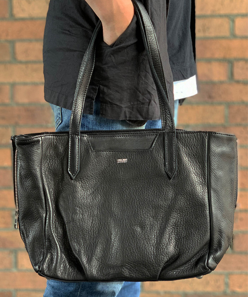 【DECADE(ディケイド)】【予約販売ご注文から1週間後出荷】Oiled Cow Leather Side ZipTote Bag(S) トートバッグ(DCD-01171)
