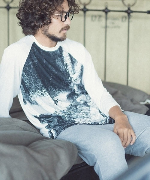 【ANGENEHM(アンゲネーム)】Graphic Over Size Raglan Long Sleeve Tee (MADE IN JAPAN) Tシャツ(ANG-010)