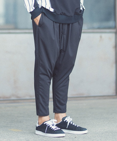 【ANGENEHM(アンゲネーム)】Emptiness Tuck Wide Tapered Easy Pants (MADE IN JAPAN) パンツ(ANG-057)
