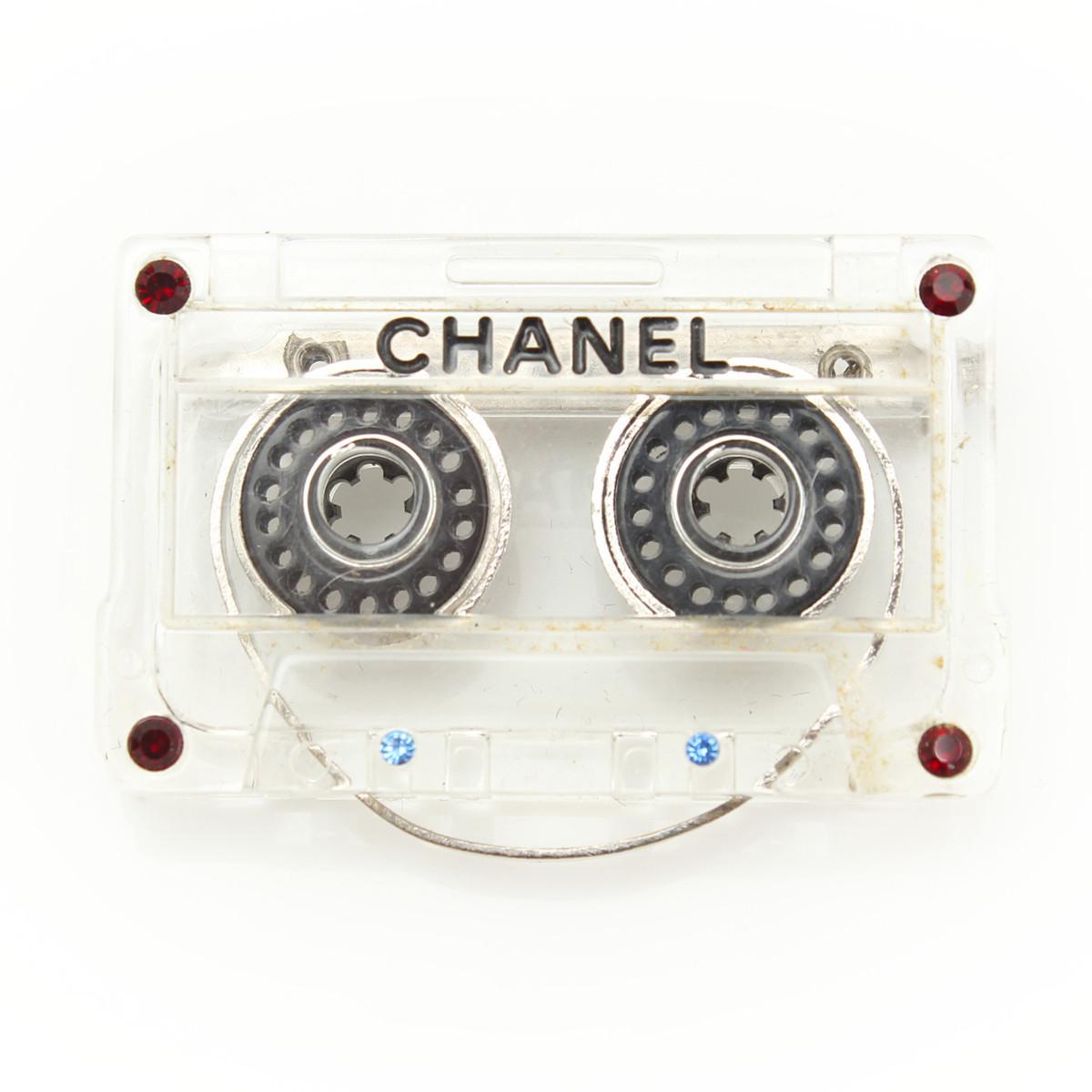 【シャネル】Chanel 04P カセットテープ ブローチ クリア ラインストーン 【中古】【鑑定済・正規品保証】【送料無料】29395