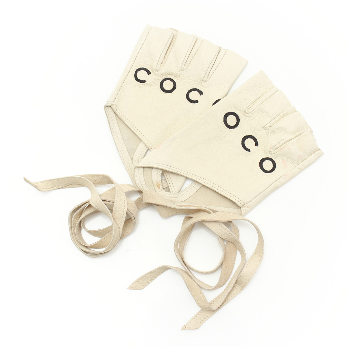 【シャネル】Chanel 01P COCO フィンガーレス レザー グローブ 手袋 ベージュ 7 1/2 【中古】【鑑定済・正規品保証】【送料無料】29522