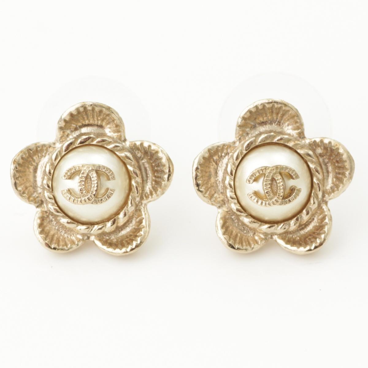 【シャネル】Chanel B16 ココマーク フラワー パール ピアス ゴールド 【中古】【鑑定済・正規品保証】61606
