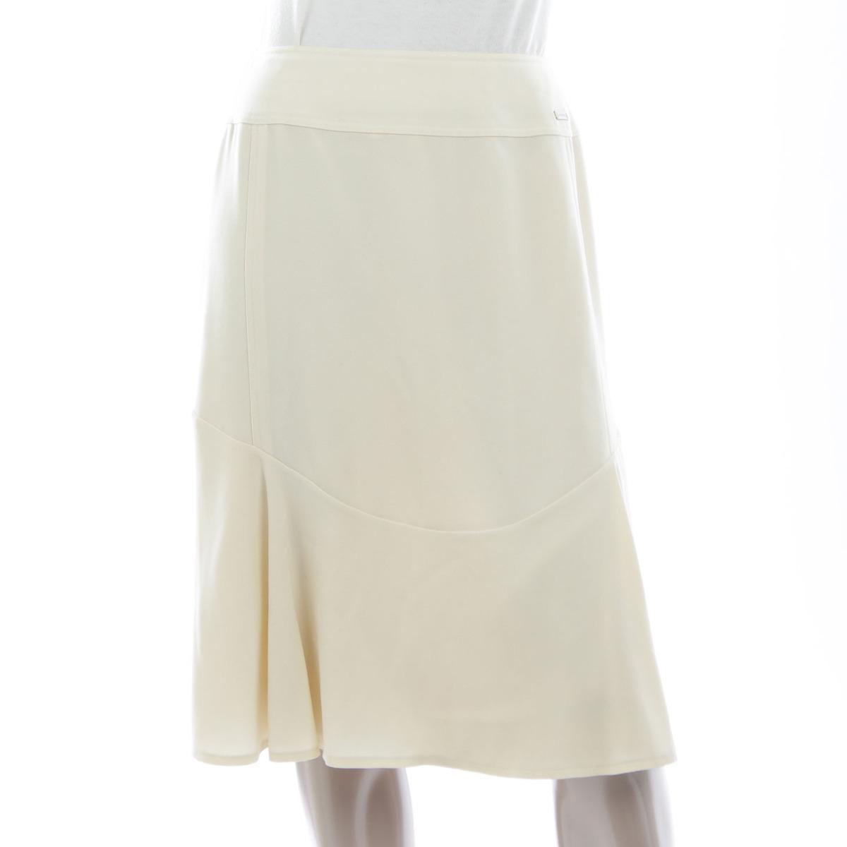 【シャネル】Chanel スカート アイボリー 00A 38 【中古】【鑑定済・正規品保証】【送料無料】20446