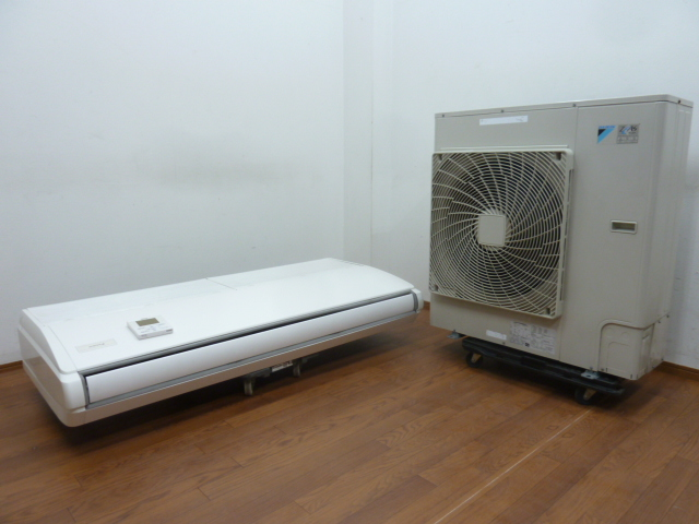 【中古】厨房 業務用ダイキン 天吊りエアコン4馬力 ZEAS スカイエア 2012年室内機FHP112BA室外機RZYP112CA3相200V 冷房 暖房 リモコン付 A
