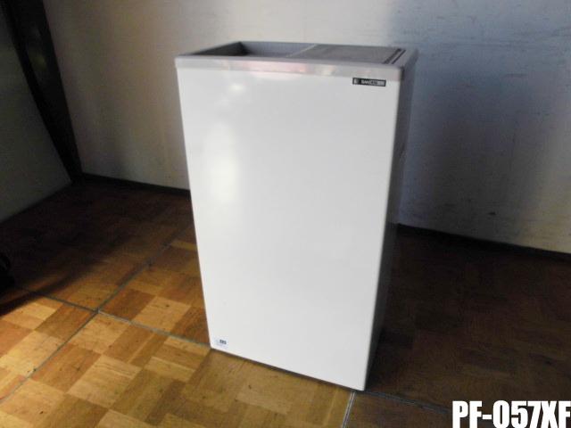 【中古】厨房 サンデン 業務用 冷凍ストッカー 冷凍庫 コンパクトフリーザー PF-057XF スライド扉タイプ 100V 42L W485×D327×H860mm