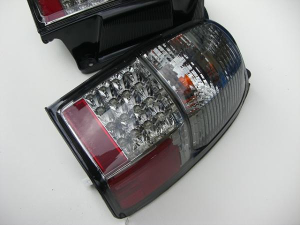 185 Hilux 尾巴燈前後 / 光 /TOYOTA / 豐田/Hilux/衝浪、 透鏡、 薰制、 清除 / 紅色的 led 指示燈