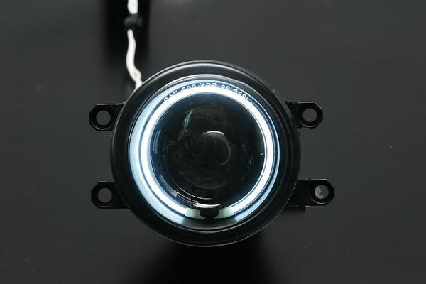 【Revier(レヴィーア)】NHP10 アクア CCFLイカリングプロジェクターフォグランプ クリアー / スモーク CCFLイカリングカラー/ホワイト光/ブルー光 プリウスC