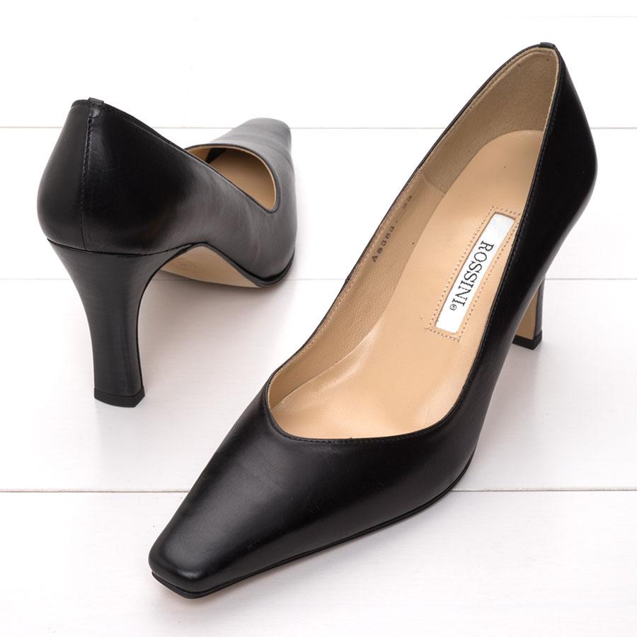 パンプス 信憑 ヒール 8cm 黒 フォーマル ROSSINI Vカットの8cmヒールのきれいなパンプス Black お歳暮 ブラック 靴 21.5 綺麗 シンプル 25.5 レディース 日本製 キレイ