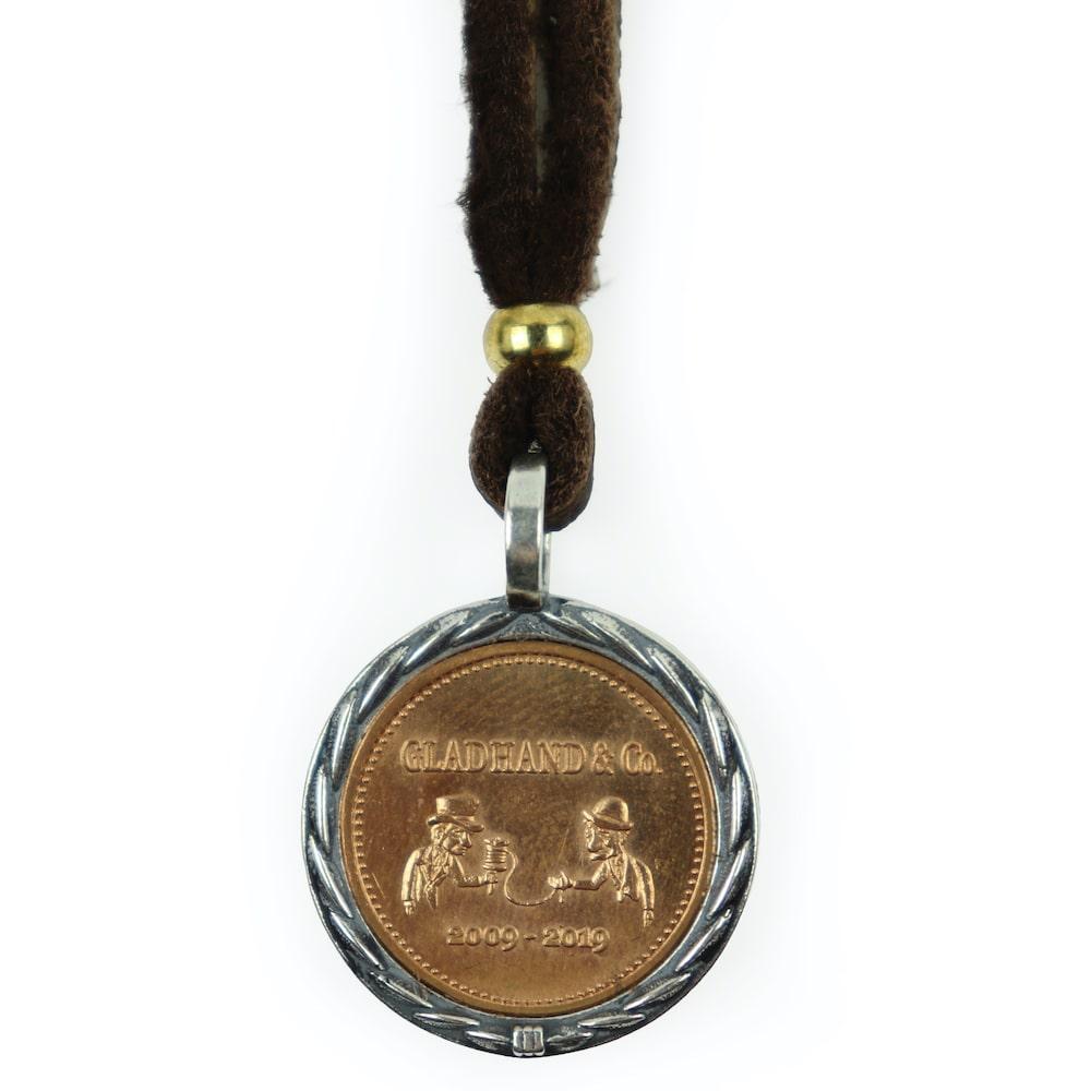 グラッドハンド メダルチャーム ネックレス ペンダント 10周年 GLAD HAND & Co. MEDAL CHARM (BRONZE) GANGSTERVILLE ギャングスタービル WEIRDO ウィアード OLD CROW オールドクロウ