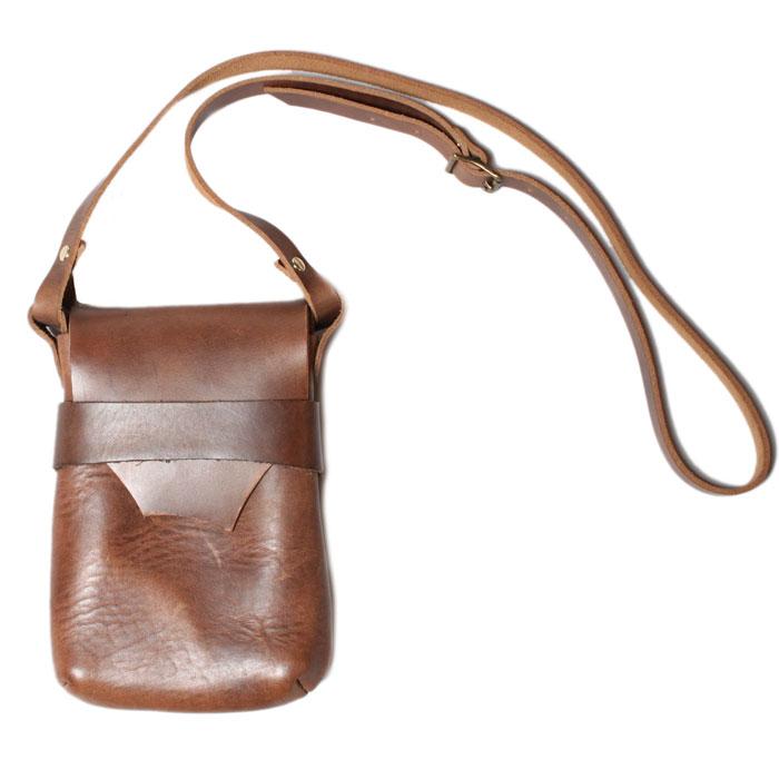 【 フェルナンドレザー ケリーポーチ ミディアム ナチュラル 】 Fernand Leather Kelly Pouch Medium - Natural