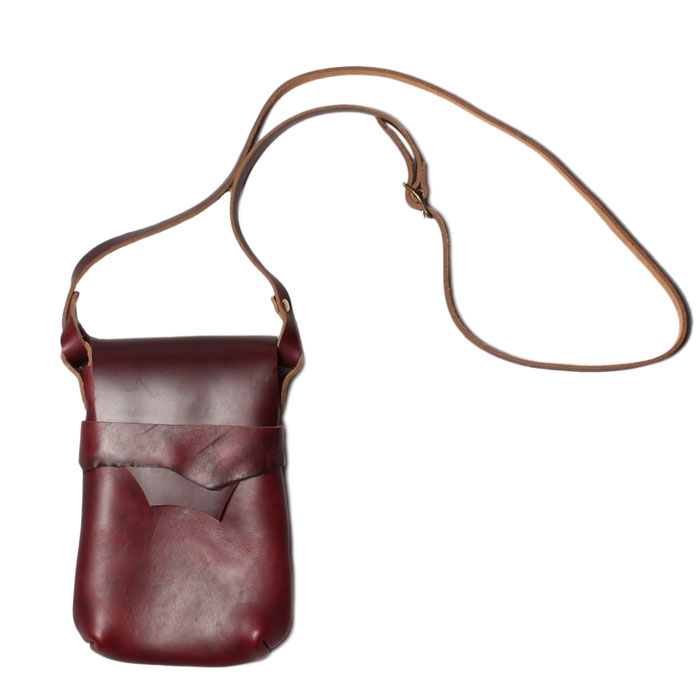 【 フェルナンドレザー ケリーポーチ ミディアム バーガンディー 】 Fernand Leather Kelly Pouch Medium - Burgundy