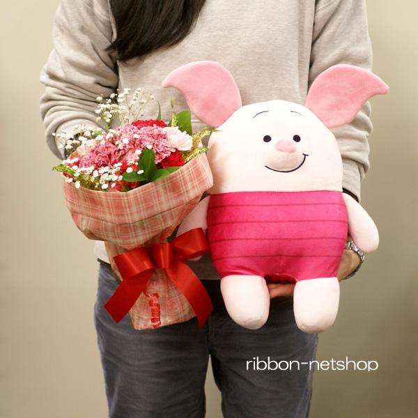 Bouquet (flower arrangement) & もっちいもっちいぬいぐるみ M Piglet set FL-HT-197 of the flower of the season