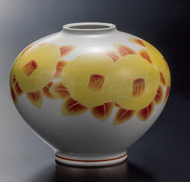 九谷焼 8号飾壷 黄地紅彩椿文 和食器 日本製 ギフト おうち ごはん うつわ 陶器