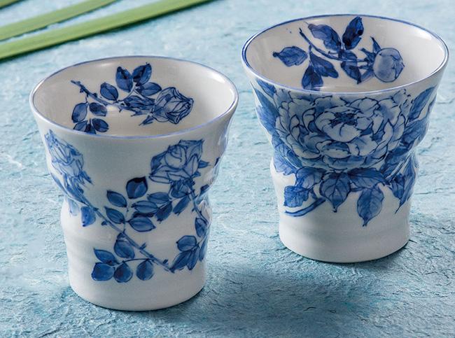 九谷焼 2個セット ペア 焼酎カップ フリーカップ お茶 ビール ばら/ぼたん 和食器 日本製 ギフト おうち ごはん うつわ 陶器