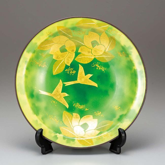 九谷焼 10号飾皿 金彩椿 日本製 ギフト うつわ 陶磁器