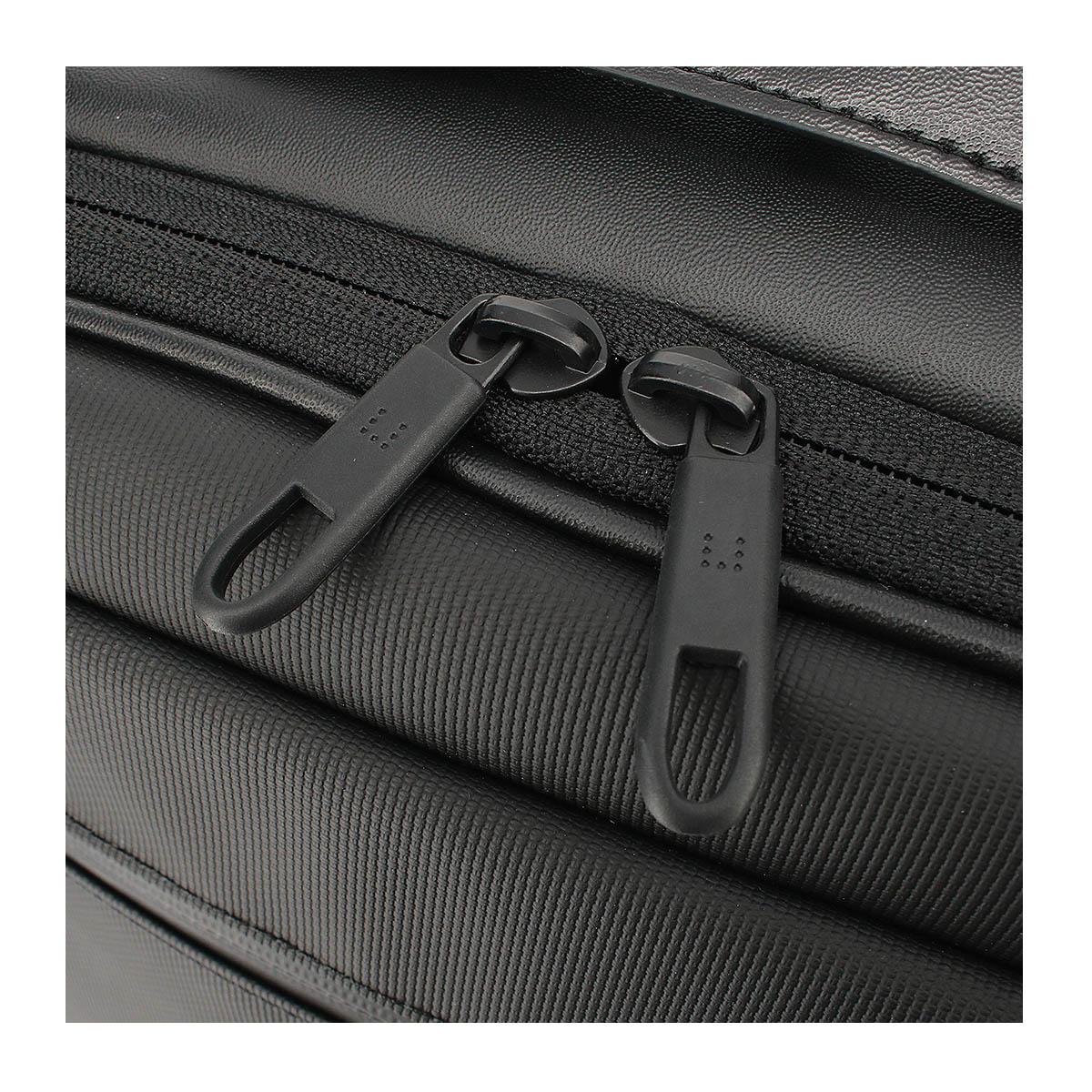 5db520a4d54 背面には吸水・速乾に優れた(aerocool)を採用し通気性が良く、排熱効果もあり、ストレスフリーなビジネスバッグです。