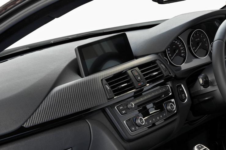 BMW4シリーズ (F32/F33/F36)【カーボン・ダッシュパネルL 2X2 綾織りマットブラック】(助手席側)