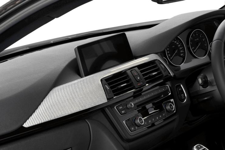 BMW3シリーズ (F30/F31/F34)【カーボン・ダッシュパネルL 2X2 綾織りシルバー】(助手席側)