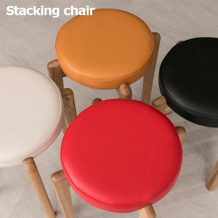 スタッキングチェア 可愛い カラフル ホワイト レッド キャメル ブラック 選べる4色 1人掛け 木製 北欧 1人用 コンパクト 省スペース 重ね 椅子 チェア 食卓 リビング 合成皮革 4脚セット 送料無料