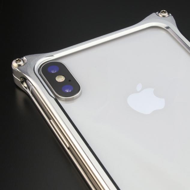 60f36a0804 ギルドデザインのアルミケースはケース本体をシンプルかつスタイリッシュに設計し、iPhoneX本来の操作性を損なうことのないように設計されています。